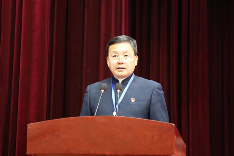 中共双柏县委书记李长平出席会议并讲话