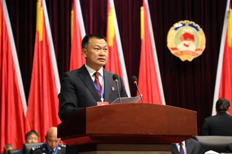 双柏县政协主席王景书参加会议并讲话